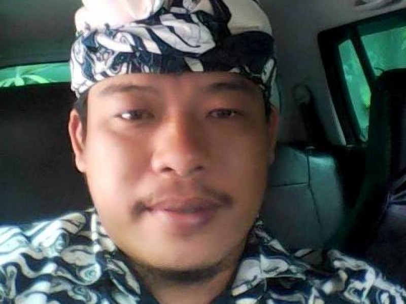 Bali Private Tour Driver | Putu Adi