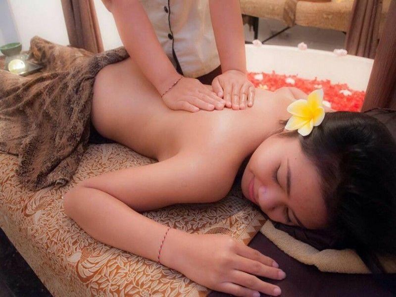 Massage Seminyak | Yasmin Balance